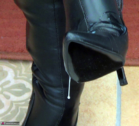 Mrs Leather. Boot Worship Free Pic 20