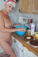 . Naked Cake Making Free Pic 4