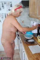 . Naked Cake Making Free Pic 7