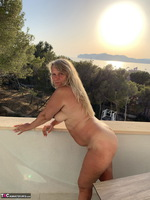 Sweet Susi. Naked At Sunset Free Pic 15