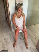 Sweet Susi. White Dress Free Pic 1