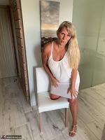 Sweet Susi. White Dress Free Pic 3