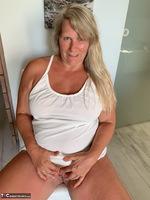 Sweet Susi. White Dress Free Pic 11