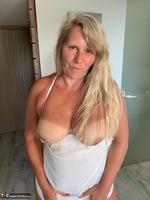 Sweet Susi. White Dress Free Pic 16