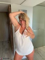 Sweet Susi. White Dress Free Pic 18