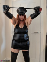 Mrs Leather. Domme With The Hat Free Pic 6