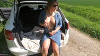 Sweet Susi. Hitchiker Creampie's Me Outside Free Pic 2