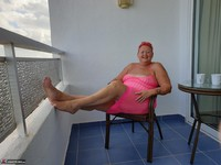 ValGasmic Exposed. Pink Dress Free Pic 3