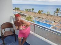 ValGasmic Exposed. Pink Dress Free Pic 12