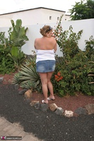 Curvy Claire. Jungle Fun Pt1 Free Pic 8