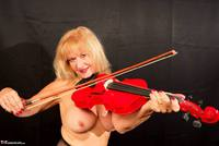 Veronique. Orchestra Pantyhose Strip Free Pic 17