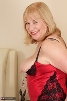 SpeedyBee. Red Bustier Free Pic 3