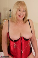 SpeedyBee. Red Bustier Free Pic 5
