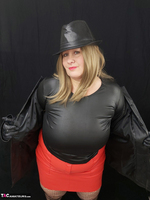 Mrs Leather. Black & Red Leather In My Hat Free Pic 6