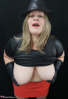 Mrs Leather. Black & Red Leather In My Hat Free Pic 13