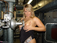 Sweet Susi. In The Engine Room Free Pic 6