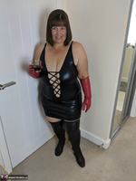 Mrs Leather. I Get A Full Facial Pt1 Free Pic 1
