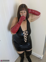 Mrs Leather. I Get A Full Facial Pt1 Free Pic 3