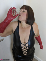 Mrs Leather. I Get A Full Facial Pt1 Free Pic 5