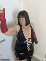 Mrs Leather. I Get A Full Facial Pt1 Free Pic 6