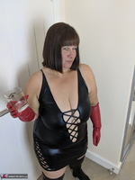Mrs Leather. I Get A Full Facial Pt1 Free Pic 7