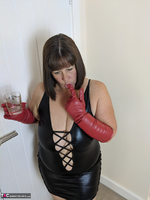 Mrs Leather. I Get A Full Facial Pt1 Free Pic 8