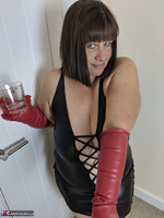 Mrs Leather. I Get A Full Facial Pt1 Free Pic 9
