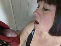 Mrs Leather. I Get A Full Facial Pt1 Free Pic 14