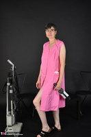 Hot Milf. Pink Apron Free Pic 2