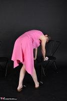 Hot Milf. Pink Apron Free Pic 4