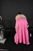 Hot Milf. Pink Apron Free Pic 14
