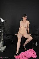 Hot Milf. Pink Apron Free Pic 18