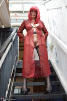 Barby Slut. Barby In Red Free Pic 1
