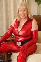 SpeedyBee. The Scarlet Lady Free Pic 1