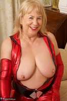 SpeedyBee. The Scarlet Lady Free Pic 13