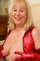 SpeedyBee. The Scarlet Lady Free Pic 14