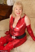 SpeedyBee. The Scarlet Lady Free Pic 16