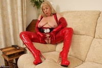 SpeedyBee. The Scarlet Lady Free Pic 20