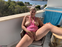 Sweet Susi. Great View Free Pic 8