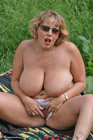Curvy Claire. Field Of Wet Dreams Pt2 Free Pic 3