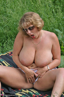 Curvy Claire. Field Of Wet Dreams Pt2 Free Pic 4