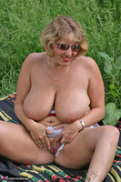 Curvy Claire. Field Of Wet Dreams Pt2 Free Pic 5