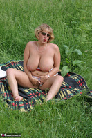 Curvy Claire. Field Of Wet Dreams Pt2 Free Pic 6