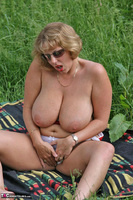 Curvy Claire. Field Of Wet Dreams Pt2 Free Pic 7