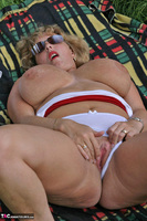 Curvy Claire. Field Of Wet Dreams Pt2 Free Pic 8