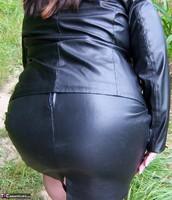 Mrs Leather. Flashing In The Woods Free Pic 2