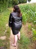 Mrs Leather. Flashing In The Woods Free Pic 10