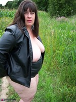 Mrs Leather. Flashing In The Woods Free Pic 18