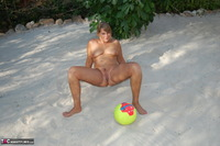Sweet Susi. With The Beach Ball Free Pic 18