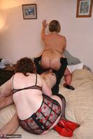 Curvy Claire. Threesome Fuck Pt2 Free Pic 3